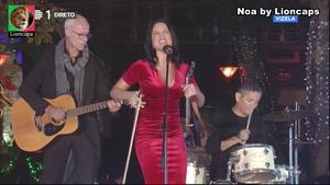 Noa sensual a cantar