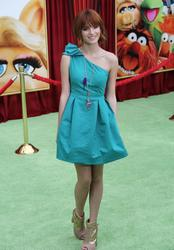 http://img287.imagevenue.com/loc197/th_596019964_Bella_Thorne_The_Muppets_Premiere_Hollywood_122_197lo.JPG