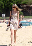 Тайлор Свифт, фото 12215. Taylor Swift Bondi Beach after breakfast at Bill Darlinghurst in Sydney - 08.03.2012, foto 12215