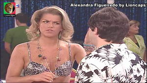 Alexandra Figueiredo sensual na serie Mare Alta