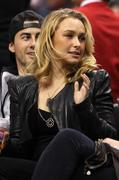 Хайден Панотье, фото 14527. Hayden Panettiere - watching a basketball game at the Staples Center 03/07/12, foto 14527