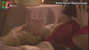 Sofia Alves sensual em vários trabalhos