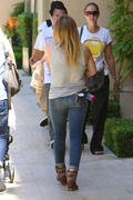 http://img287.imagevenue.com/loc512/th_455408776_Hilary_Duff_out_and_about_Beverly_Hills15_122_512lo.jpg