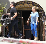 http://img287.imagevenue.com/loc526/th_097458170_Hilary_Duff_Mike_Luca_in_Laurel_Canyon41_122_526lo.JPG
