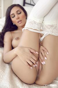 [Image: th_310793878_Gianna_Dior_c_p_closer_1_122_563lo.jpg]