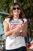 http://img287.imagevenue.com/loc594/th_041109422_Sophia_Bush_28th_Annual_AIDS_Walk4_122_594lo.jpg