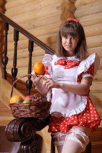 http://img287.imagevenue.com/loc96/th_105289227_tduid300163_Silver_Sandrinya_maid_1_082_122_96lo.JPG